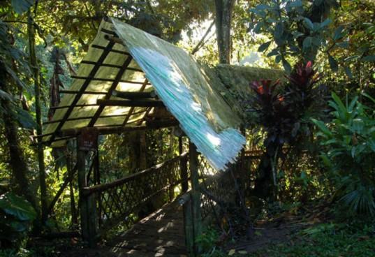 Plastic-Thatch-Roof-3-537x368